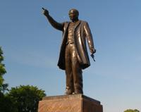 Booker T. Washington Memorial (<a href='http://www.hamptonu.edu/about/notable_alumni.cfm' style='color:#ebebeb'>Visit Site</a>)