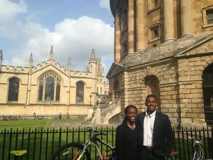 HU students studied abroad at Oxford University / Hertford College in the United Kingdom.