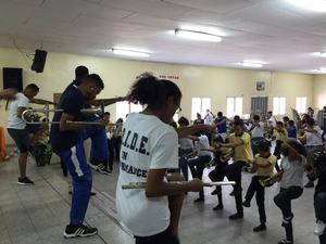 Hampton students teaching students in Tegucigalpa