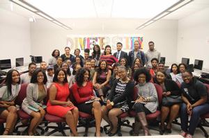 Star Jones with Scripps students and staff after discussing the importance of the 2016 Presidential Election
