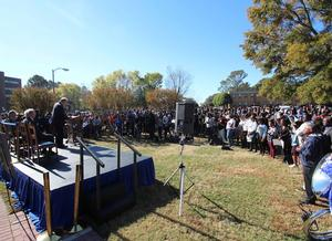 Hundreds of members of the HU community showed up in support