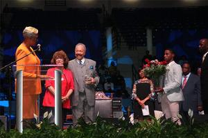 Dr. William R. Harvey and Mrs. Norma B. Harvey receive a token of appreciation in recognition of the 40 continuous years served at Hampton University on behalf of the Ministers' Conference.