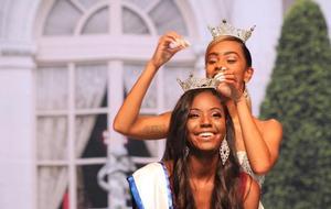 Miss Hampton University 2017-2018, crowns Ludwidg Louizaire as Miss Hampton 2018-2019.