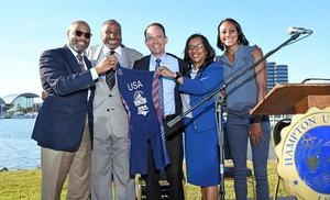 Atty. Paul C. Harris, Hampton University Sr. Vice-President, Eugene Marshall, Jr., Hampton University Athletic Director, Rocky Harris, USA Triathlon CEO, Dr. Paula L. Jackson, Assistant Director of Athletics for Compliance and Student Services/Senior Woman Administrator and Sika Henry, Aspiring Professional Triathlete and member of the Black Triathletes Association celebrate Hampton University establishing Women's Triathlon.