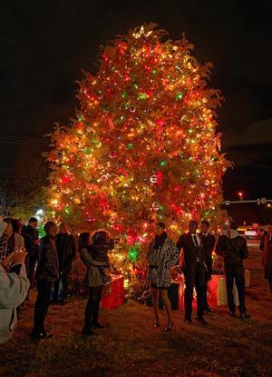 Hampton University celebrates 36th annual Tree Lighting Ceremony
