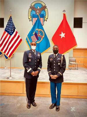 BG Gavin Lawrence (left) and 1LT(Harris)